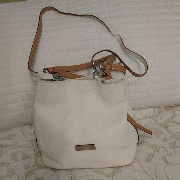 PUNTOTRES OF BARCELONA Handbags - PUNTOTRES WHITE PEBBLE LEATHER BUCKET HANDBAG